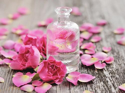 Chất lưu hương chất định hương trong mỹ phẩm
